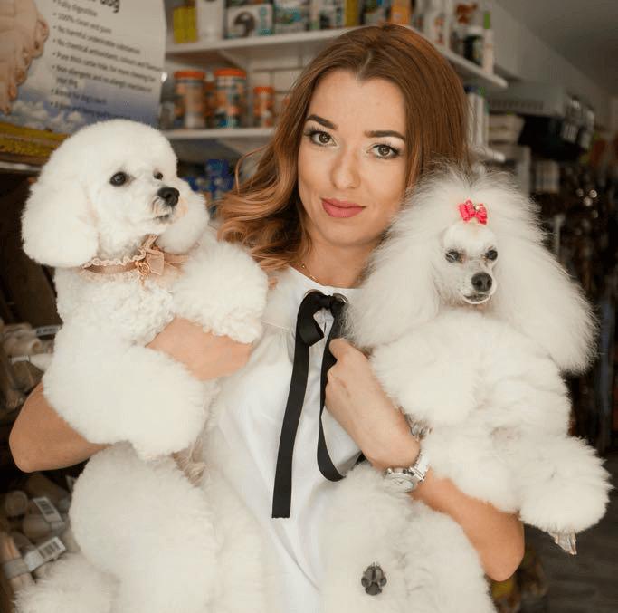 Katerina Horaitou(Groomer/manager of Dog Spa etc)